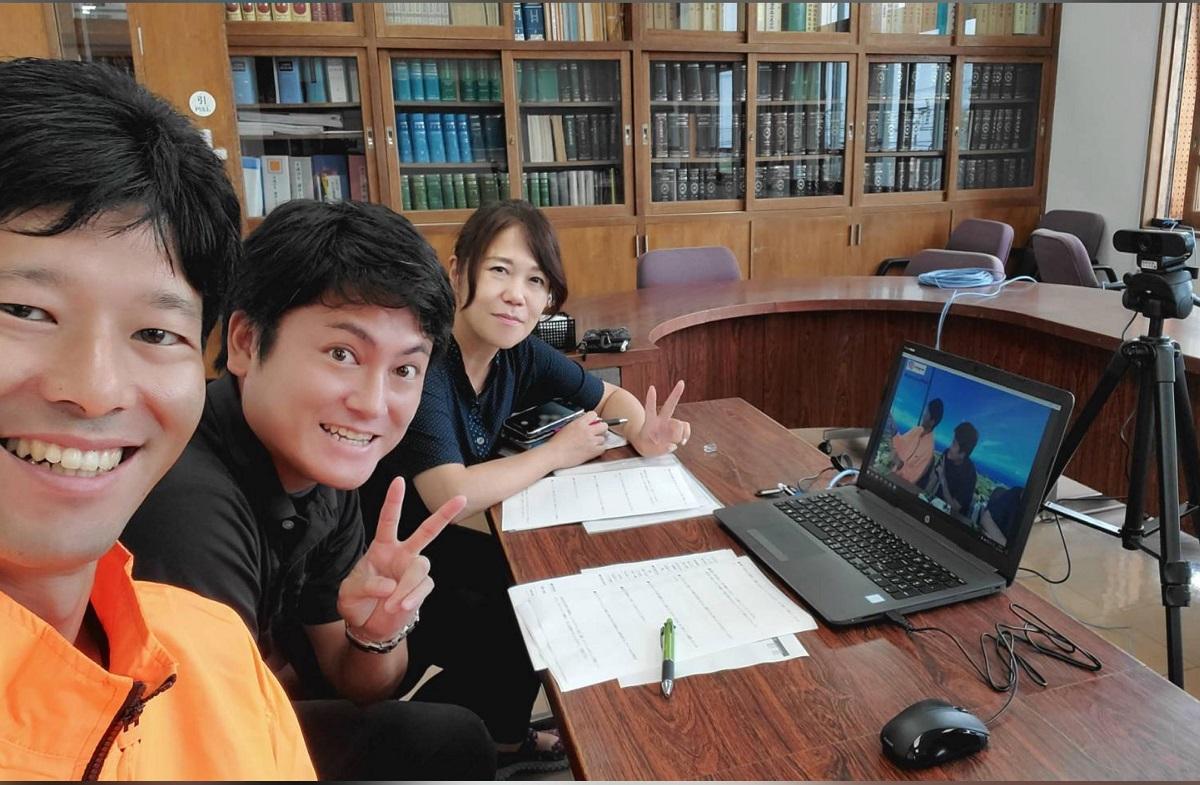先輩移住者インタビュー:タッチューそびえる伊江島で、移住コーディネーターも旅行社も!柴田滋子さん[前編]